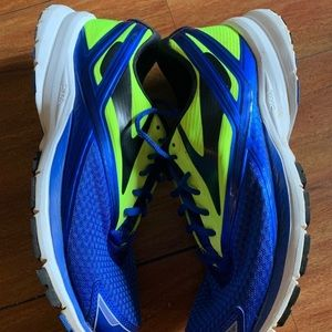 Brooks Shoes - Brooks size 9.5